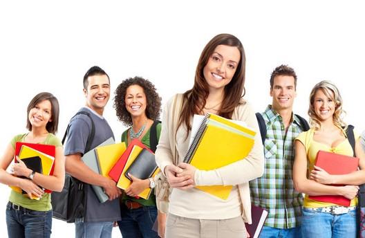 美国秋季入学,因此,他们很多会选择申请2015年美国春季留学,说